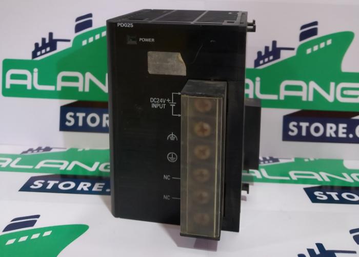 OMRON  CJ1W-PD025 OUTPUT  5A POWER SUPPLY